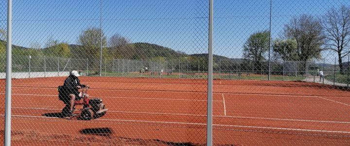Die Tennisplätze sind gerichtet